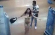 Мексиканка демонстративно обнажилась в магазине