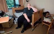 Толстяк просит государство помочь ему похудеть