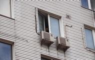 В Киеве женщина выбросилась из окна на глазах у сына