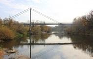 Парень спас двухлетнюю девочку, упавшую с моста в реку