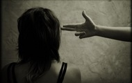 У США затримали 13-річну дівчинку через погрозу однокласникам пальцем