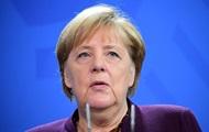 Меркель призвала Турцию завершить операцию в Сирии