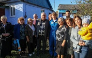 В Украину приехала астронавт украинского происхождения