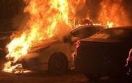 В Киеве на платной стоянке сгорела машина патрульной полиции