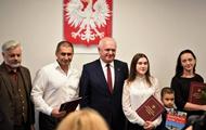 Польша предоставила гражданство украинцу, спасшему людей в ДТП