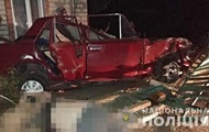 На Запорожье авто влетело в жилой дом: две жертвы