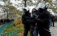 Майже 30 000 осіб вийшли на протести у Франції