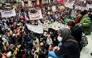 Парижская полиция задержала более двадцати протестующих
