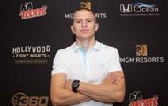 Усик vs Уизерспун: крымчанин впервые боксирует в супертяжелом весе