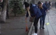 Нацкорпус после митингов убирает под Радой