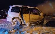 У Миколаєві на парковці підпалили позашляховик Lexus