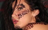 Белла Хадид снялась топлес в пикантной фотосессии