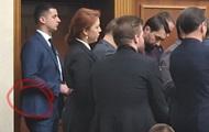 Нардепы заявили о вооруженном человеке в зале Рады