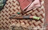 В Лисичанске местный житель выстрелил в голову пасынку и забаррикадировался в доме