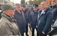 К протестующим в Новые Санжары приехал Аваков
