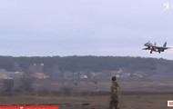 Летчики ВСУ показали фигуры высшего пилотажа