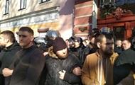 Активисты блокируют отель в центре Одессы