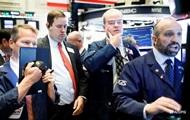 В США фондовый рынок рухнул до минимума за 33 года