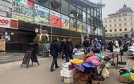 В Киеве торговые точки у метро не закрылись