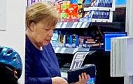 Меркель накупила вина и туалетной бумаги