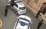 Полиция устроила на карантине концерт под окнами