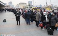 Из Киева выезжает поезд с россиянами