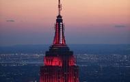 Хмарочос Нью-Йорка підсвітили на честь медиків