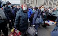 Почти 40% украинцев считают, что карантин ввели поздно