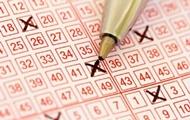 Австралийская пара 35 лет играла в лотерею с одними и теми же числами и сорвала джекпот