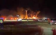 В США вблизи аэропорта сгорели более 3000 машин