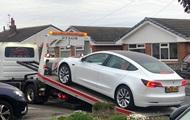 У нової Tesla Model 3 відвалилося кермо під час руху