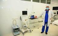 Фонд Вадима Новинского передал оборудование для больниц Днепропетровщины. Медоборудование и спецзащиту от имени Фонда медикам вручил нар