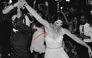 Весільна фотографія допомогла нареченій виявити рак