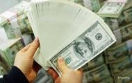 Відтік валюти з України зменшився вдвічі