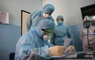 В Україні понад 900 випадків COVID-19 за добу