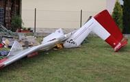 В Польше спортивный самолет упал на частный дом, есть пострадавший