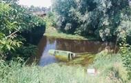 Во Львовской области водитель ВАЗ-2121 сбил пешехода, слетел в реку и умер