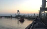 У порту Миколаєва стався витік рослинної олії