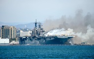 На десантном корабле ВМС США USS Bonhomme Richard вспыхнул пожар (ВИДЕО)