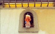 В Италии из-за COVID возобновили старинную традицию винных окошек