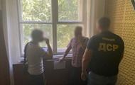 В Днепре ректора университета и его помощника поймали на взятке