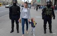 У Білорусі силовики шукають людей, які брали дітей на протести