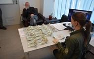 У Борисполі ізраїльтянин пропонував співробітниці ДПСУ $3 тисячі хабаря