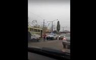 В Одесі водій збив на переході дівчину і влетів у трамвай