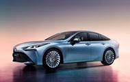 Toyota представила екологічний седан на водні