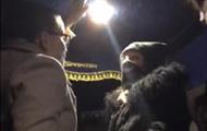 Пассажирки автобуса устроили драку из-за маски