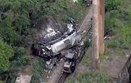 2569944 - В Бразилии с эстакады упал автобус, 17 погибших