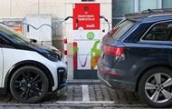 В Україні попит на електромобілі в листопаді знизився майже на 30%
