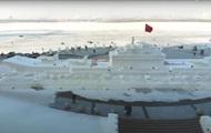 В Китае из снега слепили 50-метровый авианосец ᐉ видео
