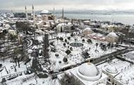 Стамбул засыпало снегом — Korrespondent.net
